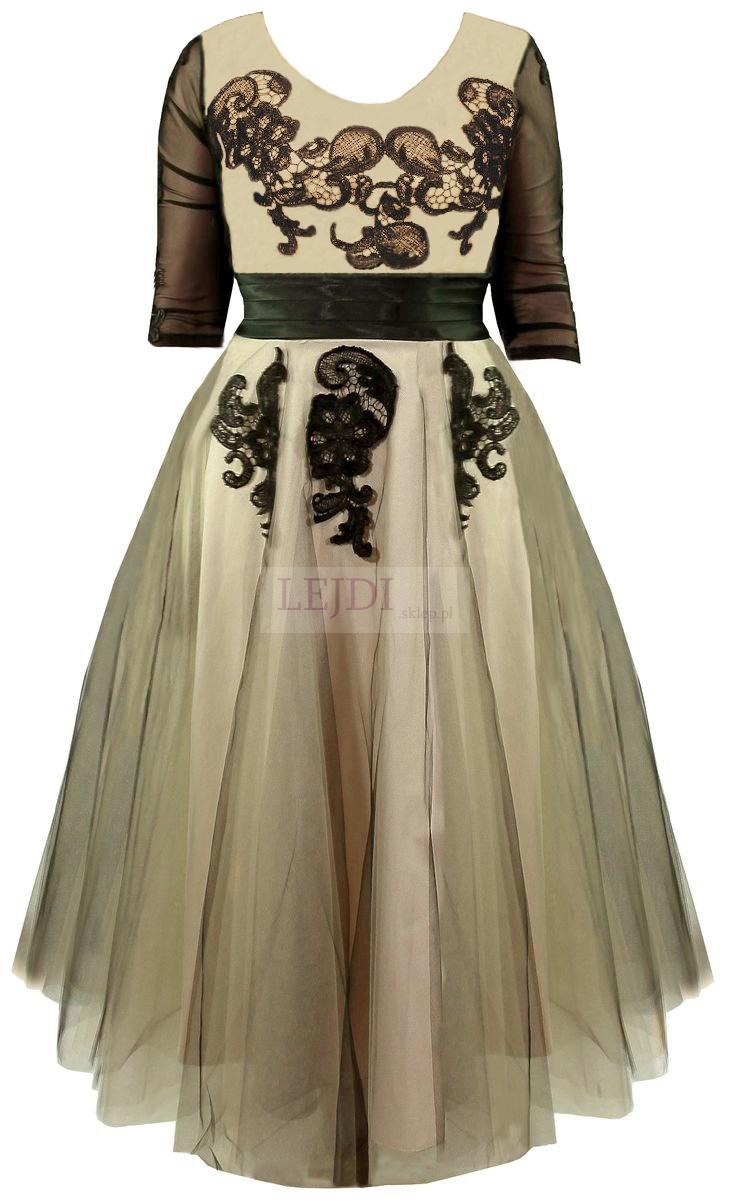 Tiulowa sukienka na studniówkę