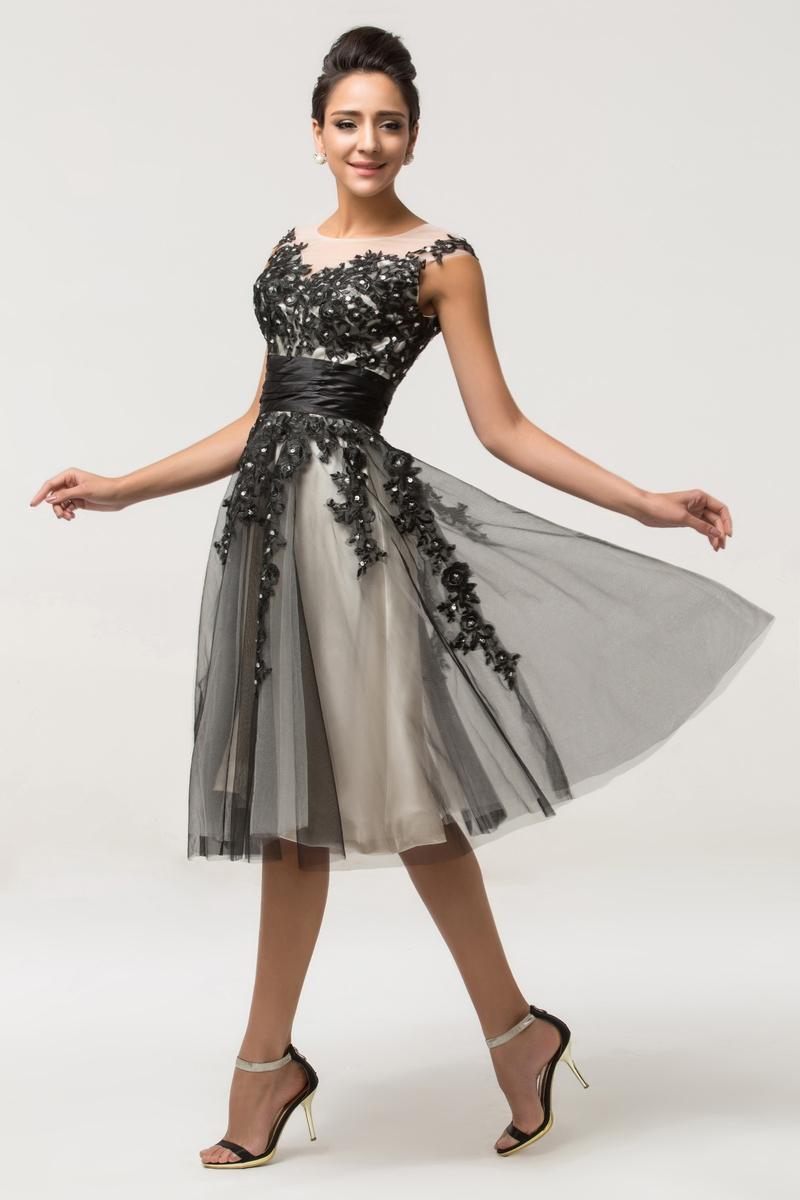 Sukienka tiulowa Plus Size. Sukienki dla puszystych.