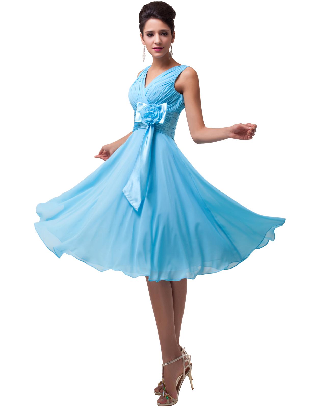 Sukienki dla puszystych, niebieska sukienka dla puszystej