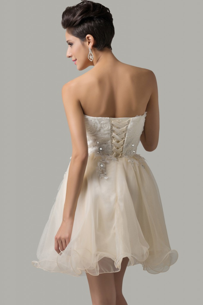 Sukienka z gorsetem - jak wiązać gorset, wiązanie gorsetów