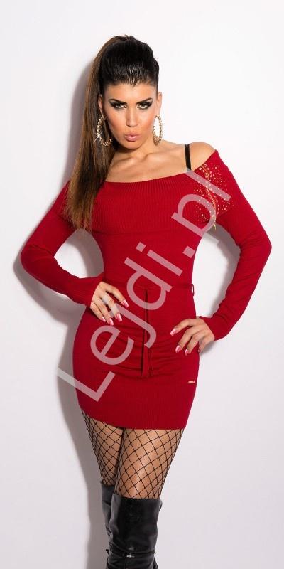 Ciepłe czerwone sukienki