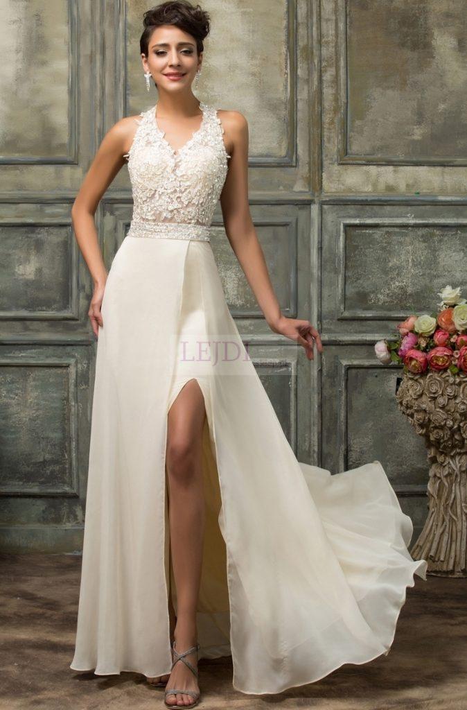 Efektowna suknia ślubna z odkrytymi plecami