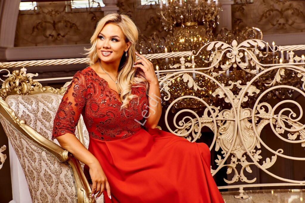 Czerwona sukienka Plus Size