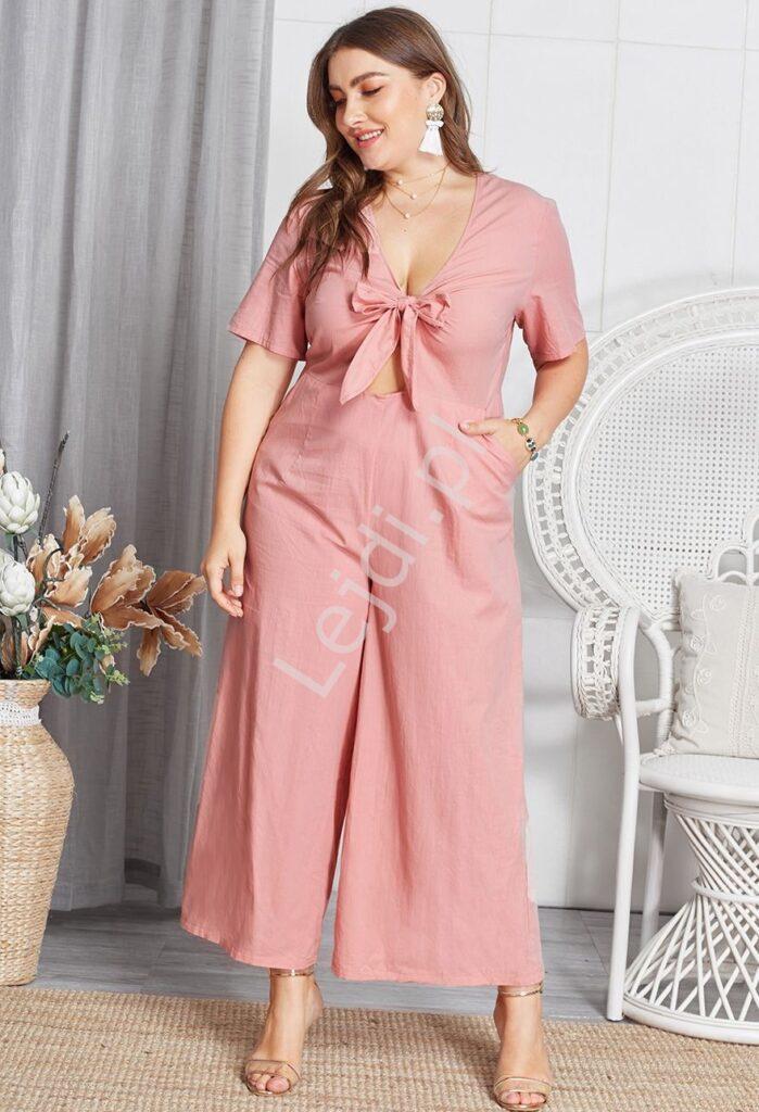 Jasno różowy kombinezon plus size