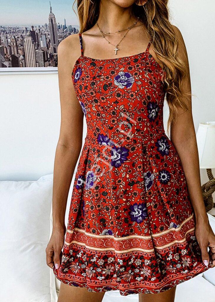 Krótka sukienka w kwiaty