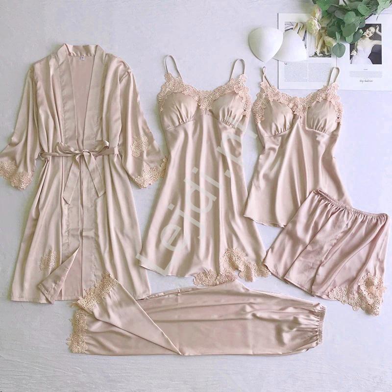 Satynowe piżamy damskie