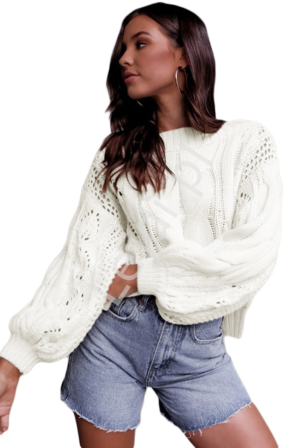 Sweter na zimę biały