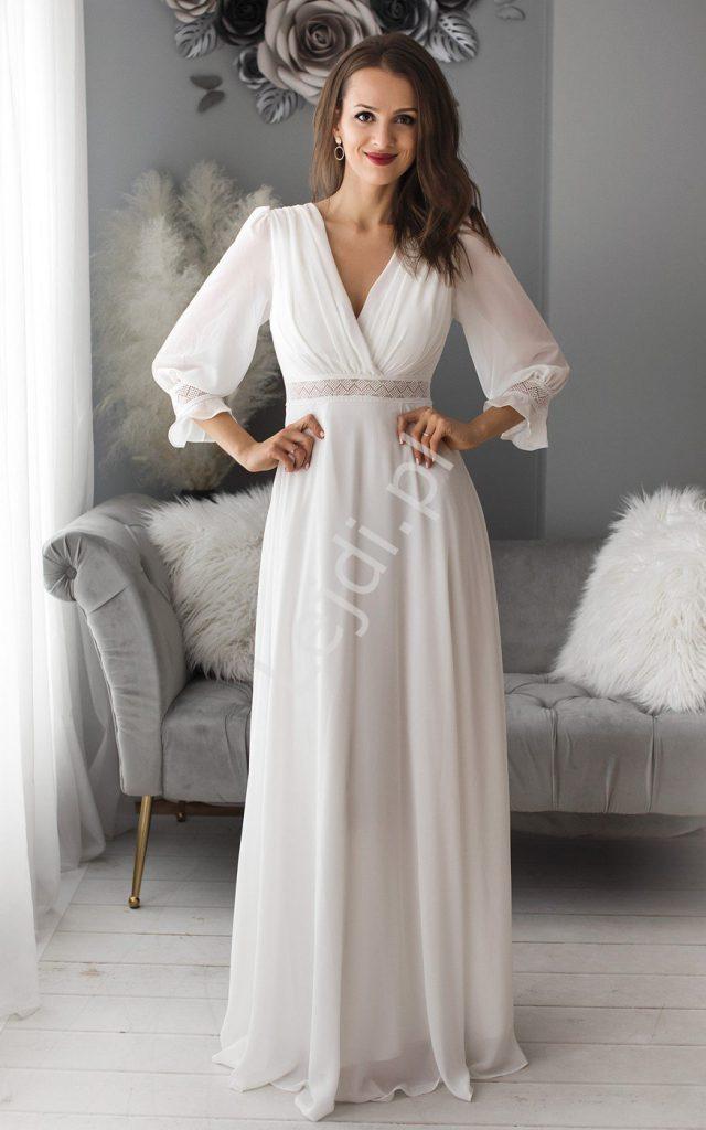Biała sukienka boho