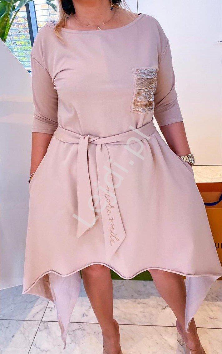 Beżowa asymetryczna sukienka z kryształkową kieszonką 539