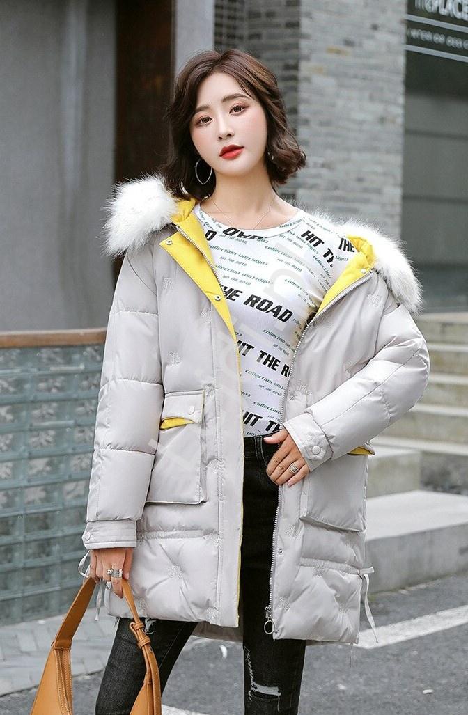 Beżowa kurtka zimowa pikowana literami z kapturem z futrem 9779 - Lejdi
