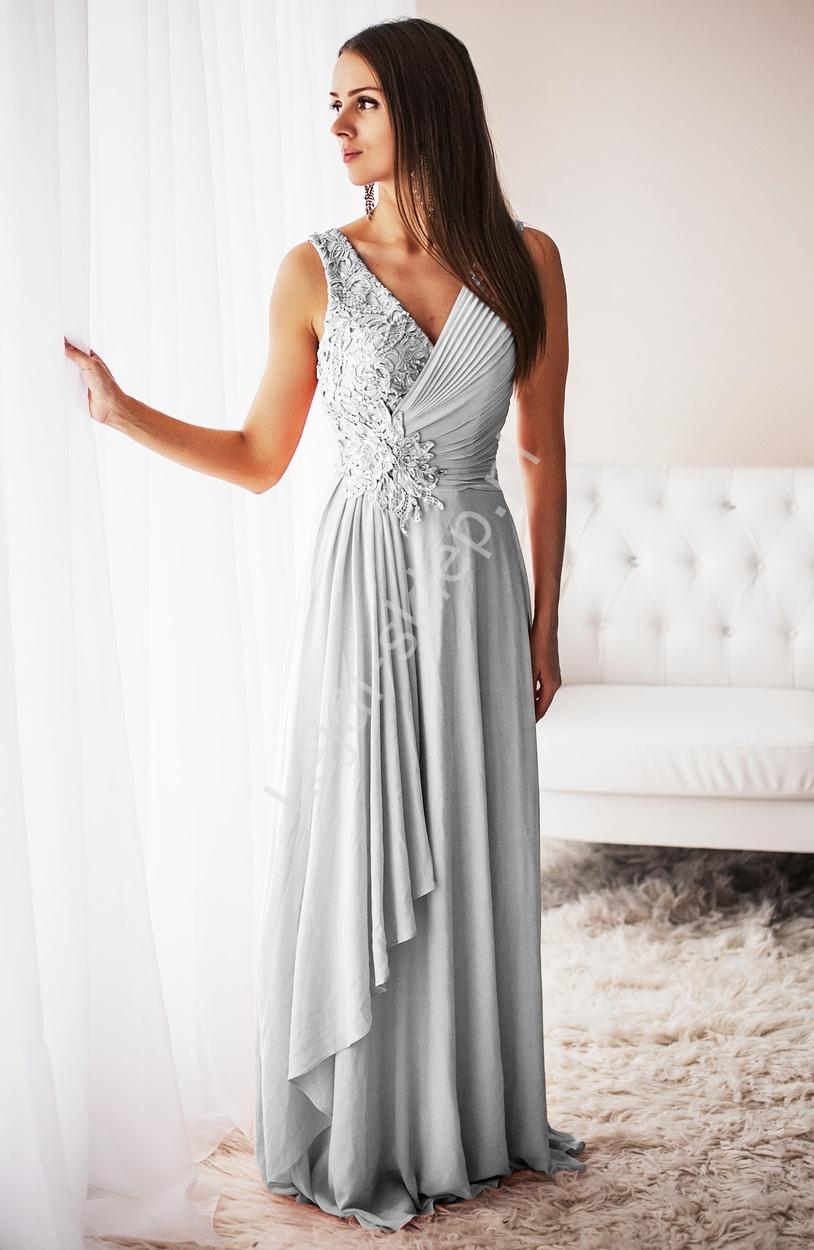 Biała długa suknia z przydrapowanym biustem i kopertowym dekoltem z gipiurą - Lejdi