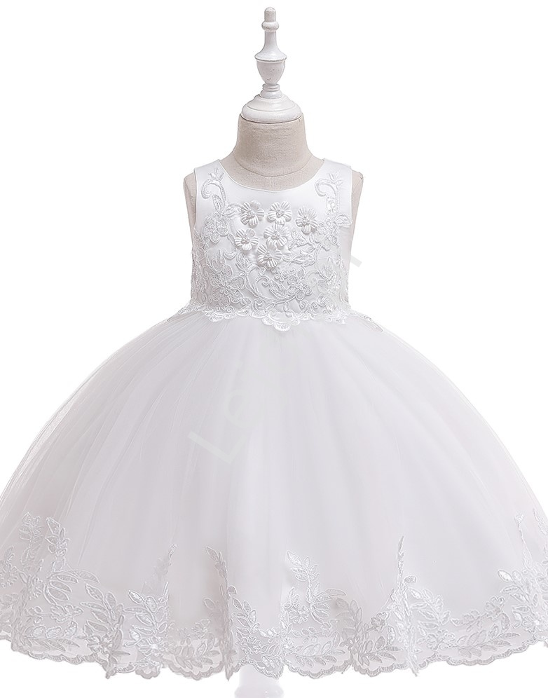 Biała śliczna sukienka na komunię zdobiona kwiatkami 3D i haftem 097 - Lejdi
