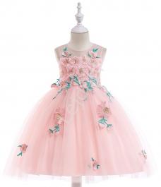 4d28a61091 Jasnoróżowa sukienka wieczorowa dla dziewczynki z haftowanymi kwiatami