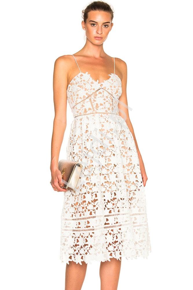 Biała sukienka z gipiurowej koronki na ramiączkach 636-1 - Lejdi