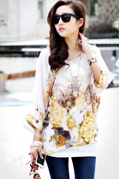 Biała tunika over size z bogatym kwiatowym wzorem | bluzki damskie 216 - Lejdi