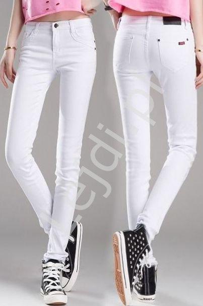 Białe spodnie jeansowe, białe jeansy rurki - Lejdi