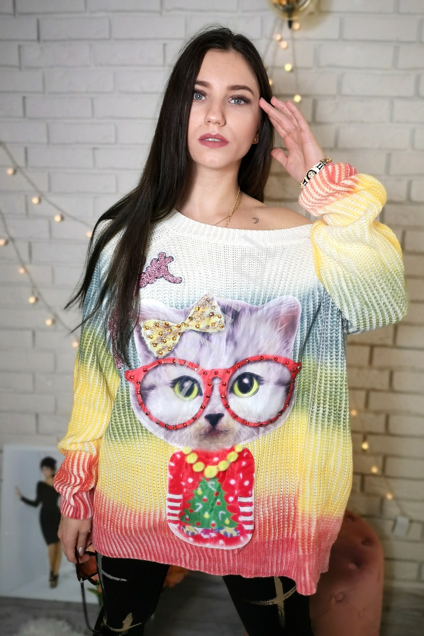 Cieniowany dziergany sweter z kotem z kryształkami - Lejdi