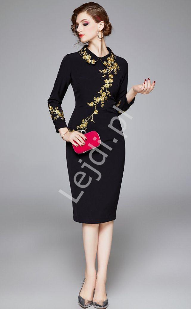 Czarna elegancka sukienka z kwiatowym złotym haftem 2247 - Lejdi