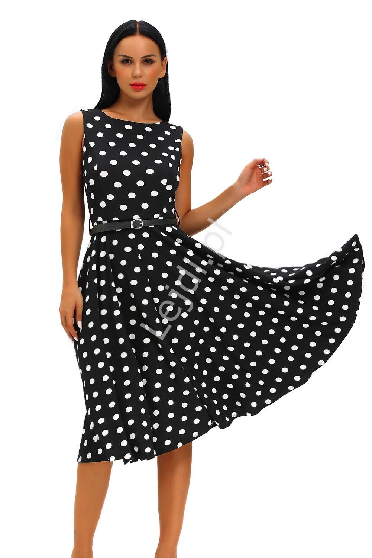 08c573f465 Czarna sukienka w białe kropki