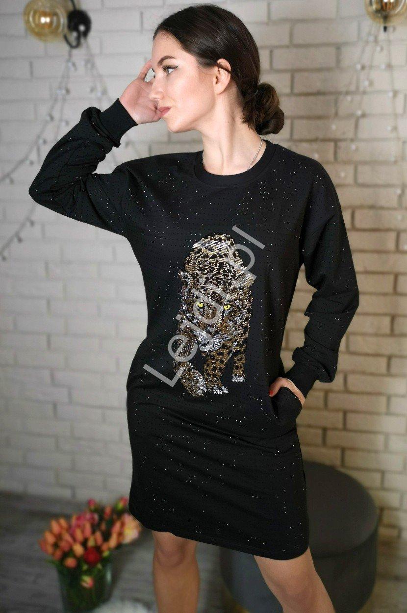 Czarna sukienka z kryształkowym leopardem 5064 - Lejdi