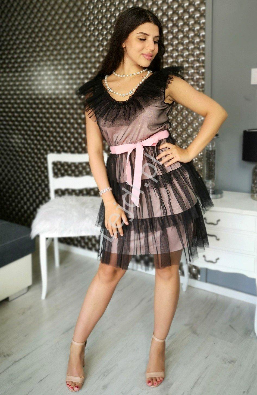 Czarna tiulowa sukienka z pudrowo różową podszewką, Nubia - Lejdi