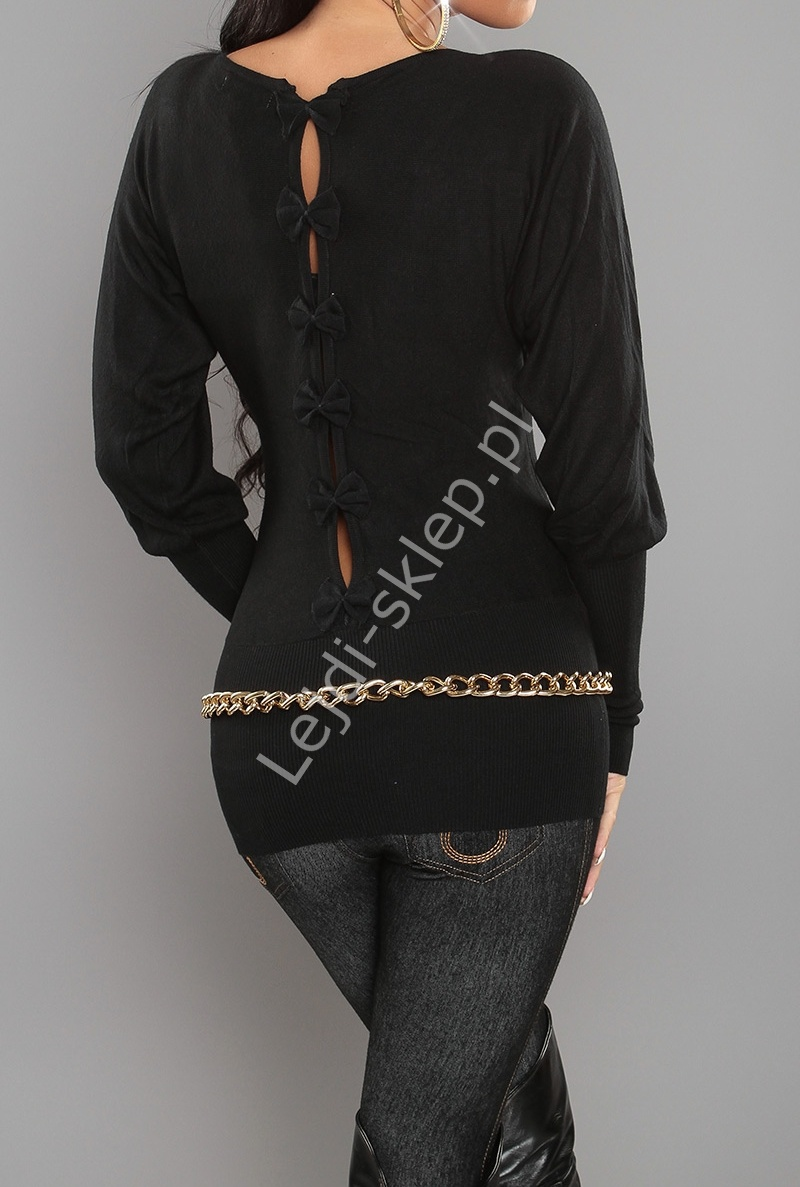 Czarny sweter nietoperz z kokardkami na plecach| czarne swetry damskie 3027 - Lejdi