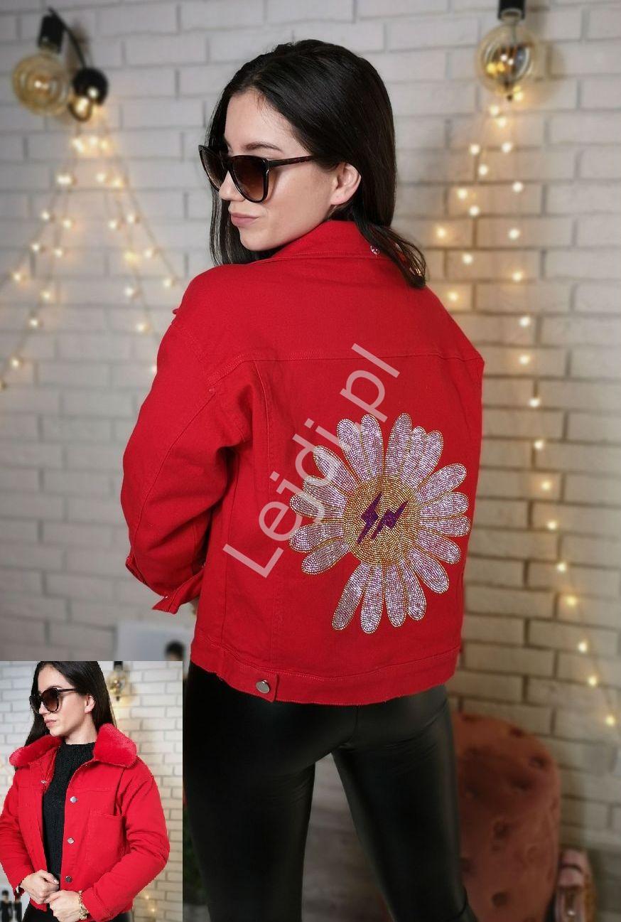 Czerwona jeansowa kurtka z kwiatkiem i błyskawicą z odpinaną ciepła podpinką i kożuszkiem - Lejdi