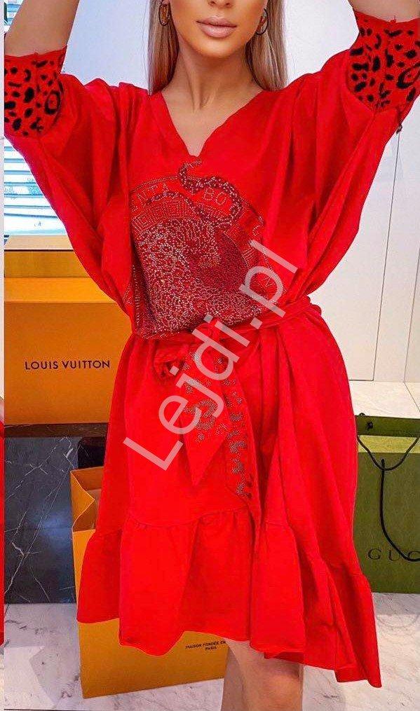 Czerwona sukienka oversizowa z kryształkowym napisem Bottega Venta z kryształkami 541 - Lejdi