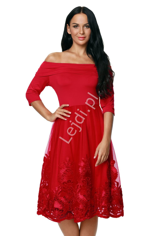 Czerwona sukienka z gipiurową koronką z dekoltem typu carmen - czerwone sukienki z koronką 364 -1 - Lejdi