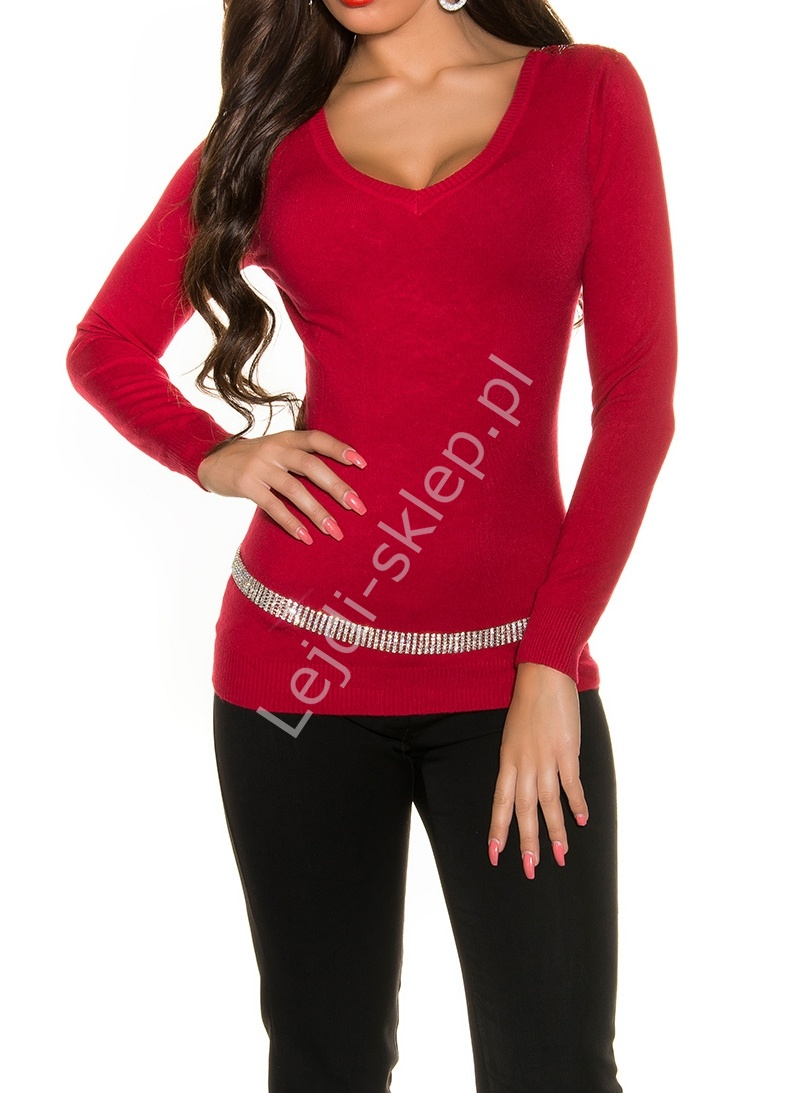177e202ffc75 Czerwony elegancki sweter z przepięknie zdobionymi gipiurą plecami ...