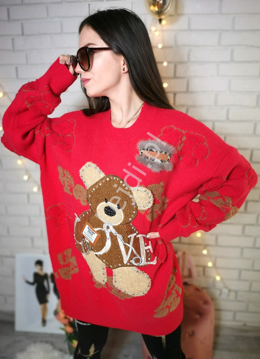Czerwony sweter z futerkowymi misiami oraz kryształkami Premium LUXURY - Lejdi