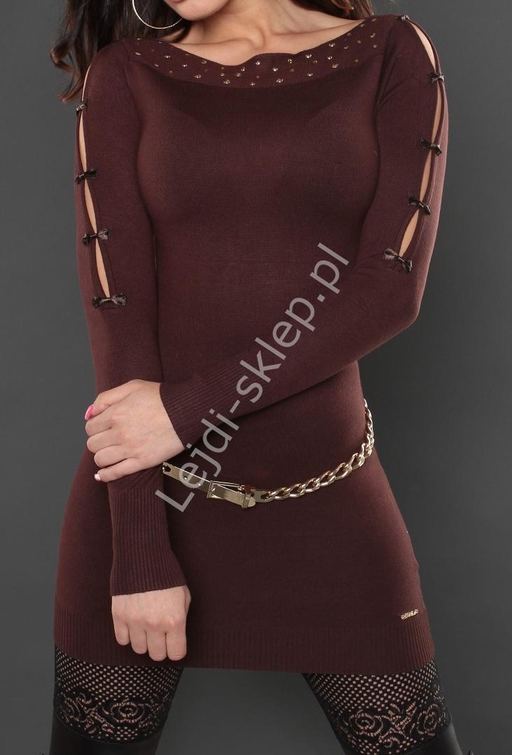 Dzianinowa czekoladowo brązowa sukienka z rozcięciami na rękawach z małymi kokardkami 8015 - Lejdi