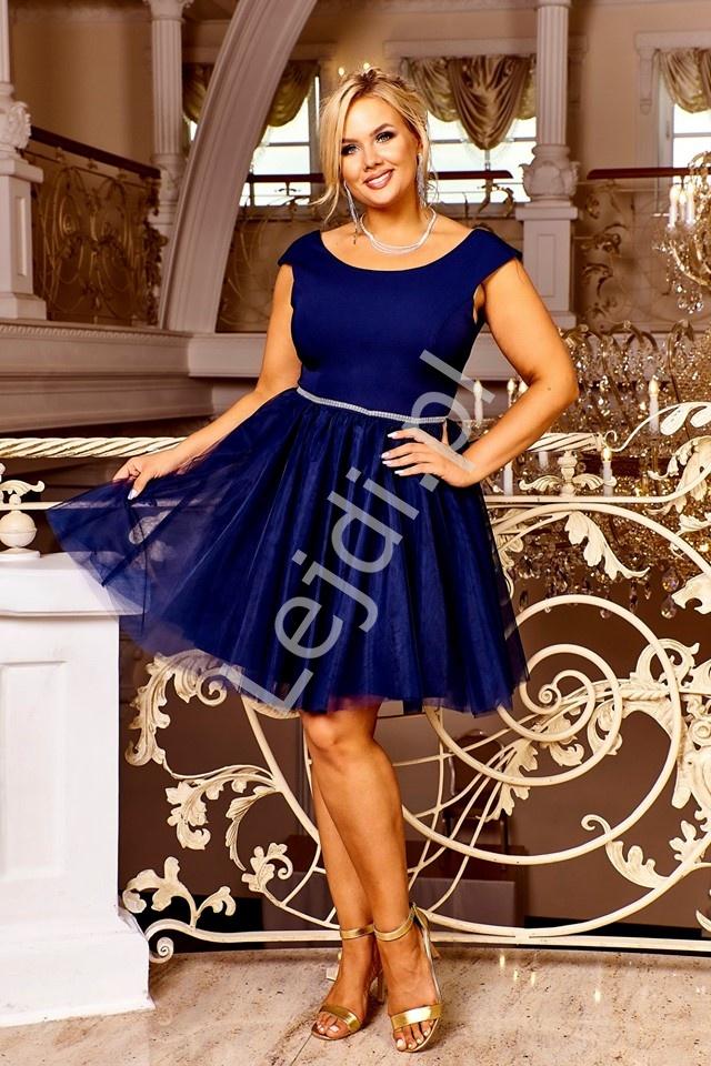Granatowa krótka sukienka wieczorowa z tiulową spódnicą i kryształkami w talii Cindy - Lejdi