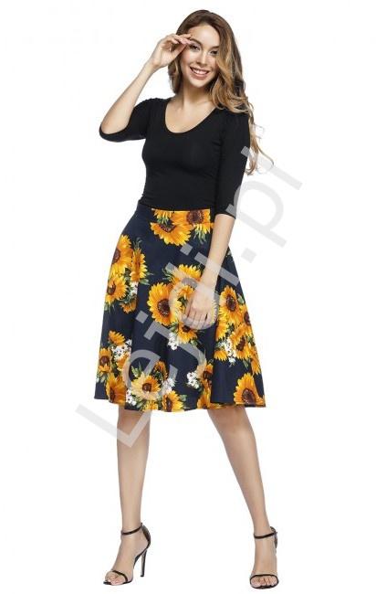 Granatowa rozkloszowana spódnica w słoneczniki 9396 - Lejdi
