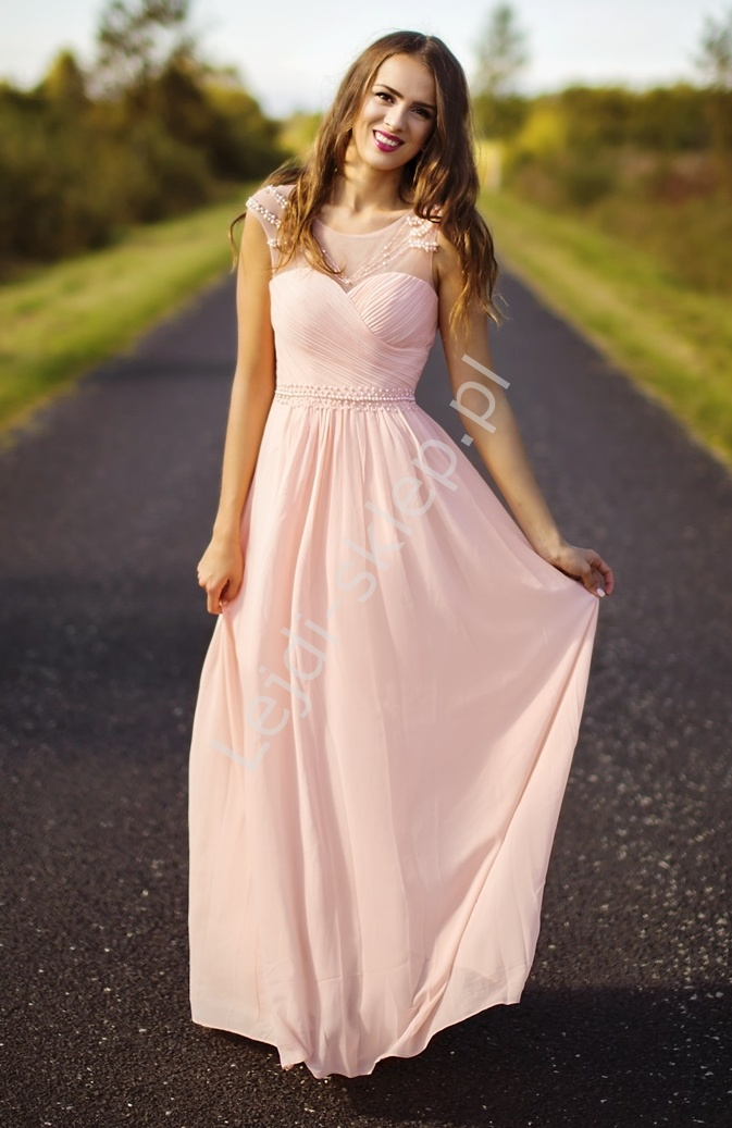 Długa jasnoróżowa suknia z koralikami i drapowanym gorsetem - Lejdi