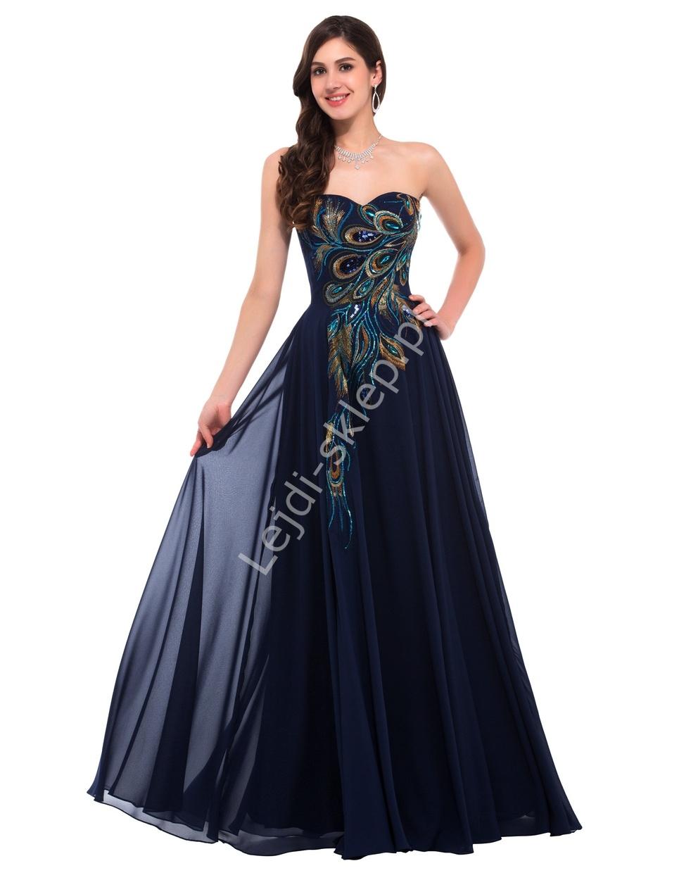 b54a3280a64594 Granatowa szyfonowa suknia z pawimi piórami, na studniówkę, sylwestra,  karnawał
