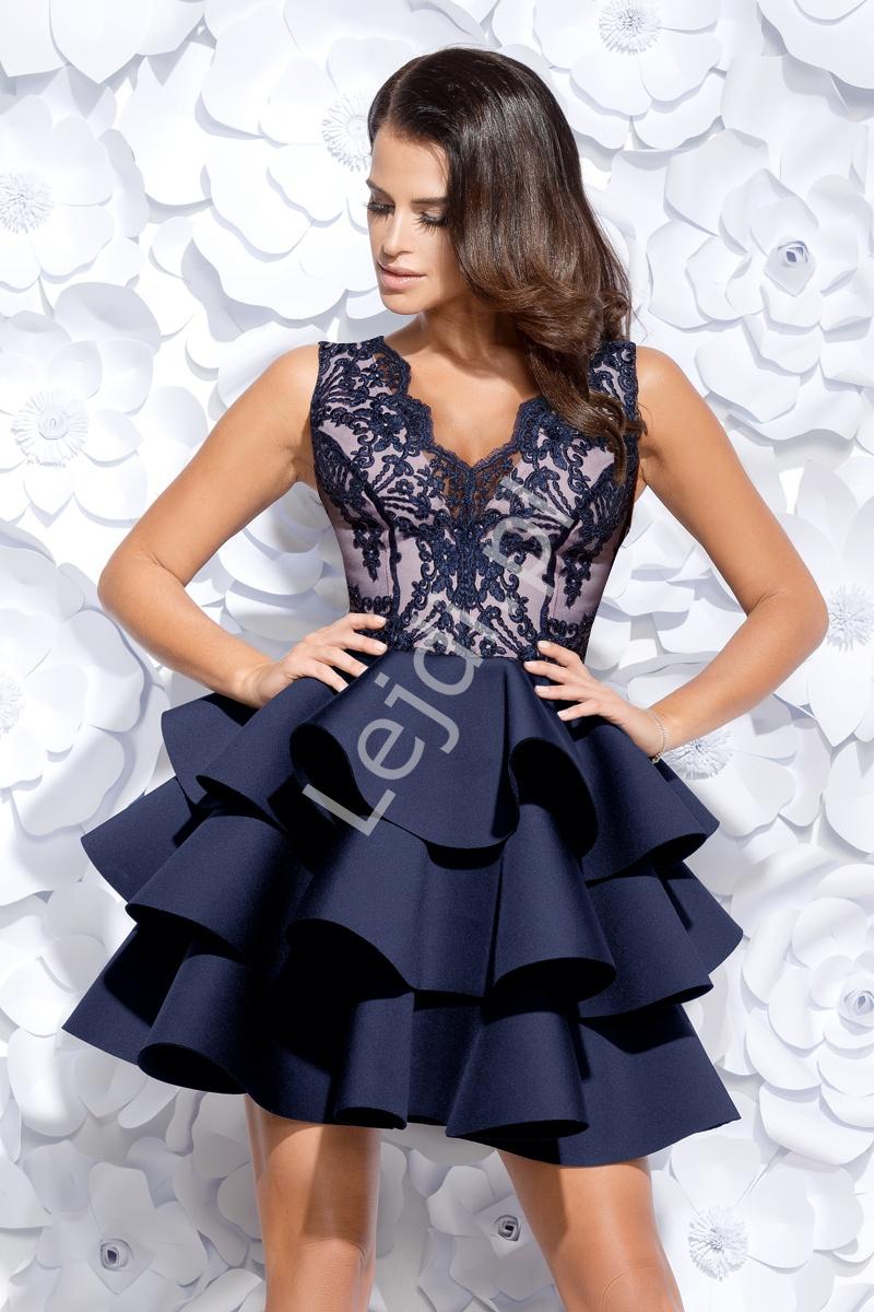 Granatowa wieczorowa krótka sukienka z jasną górą | piankowa sukienka z trzema falbanami 2127-11 - Lejdi