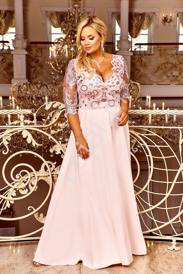 Jasno różowa suknia wieczorowa plus size, zdobiona koronką i cekinami - Crystal - Lejdi