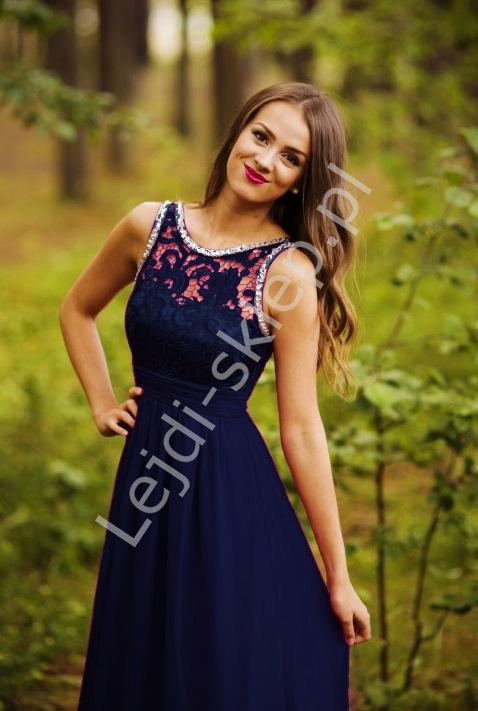 0a432bf834 Jasno różowa suknia z kryształkami i gipiurową koronką - Lejdi.pl