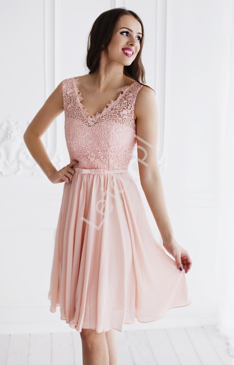 Jasnoróżowa skromna szyfonowa sukienka na wesela, chrzciny, bal gimnazjalny z koronką | sukienki na studniówki - Lejdi