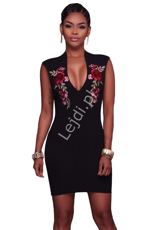 Klasyczna czarna sukienka z haftowanymi aplikacjami - różami - Lejdi