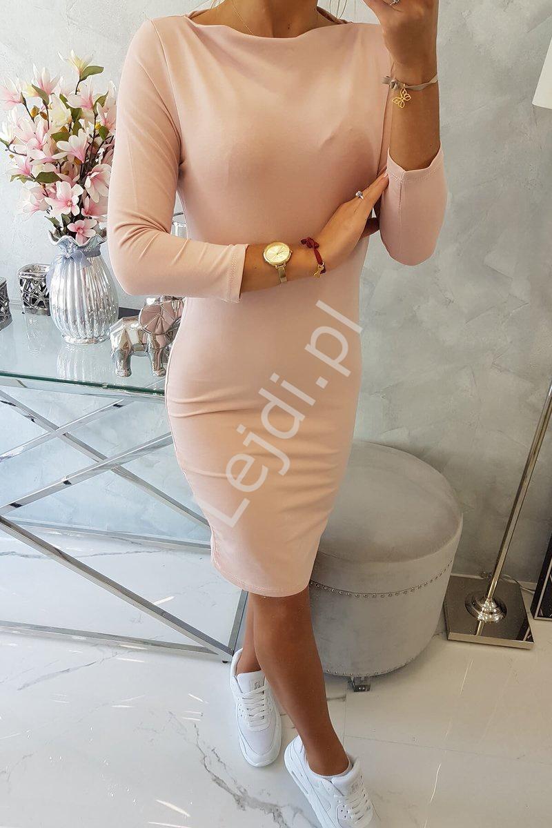 Klasyczna pudrowo różowa sukienka 8825 - Lejdi