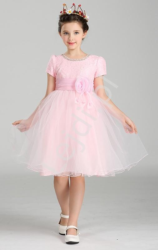 Szyfonowa różowa sukienka z kwiatem w pasie | sukienki dla dziewczynek - Lejdi