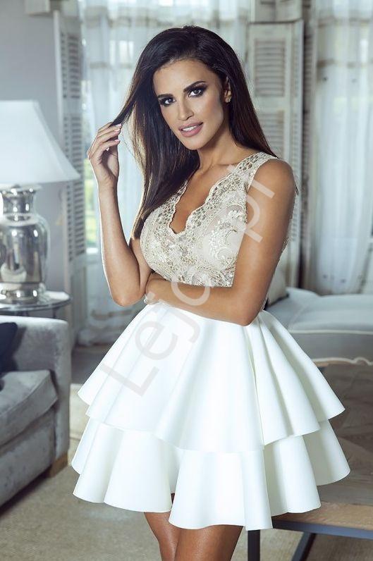 cbb27c578f Sukienka wieczorowa z koronkową złotą górą i białą piankową spódnicą z  falbanami - Emma