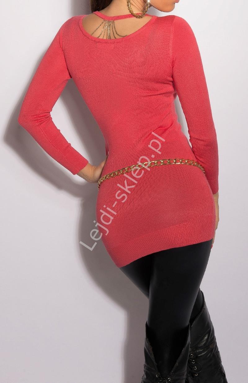 Koralowy sweter - tunika z łańcuszkami na plecach 8054 - Lejdi