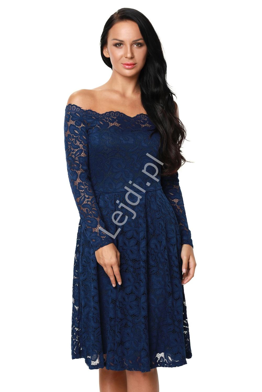Koronkowa niebieska sukienka z dekoltem typu carmen 427 -5 - Lejdi