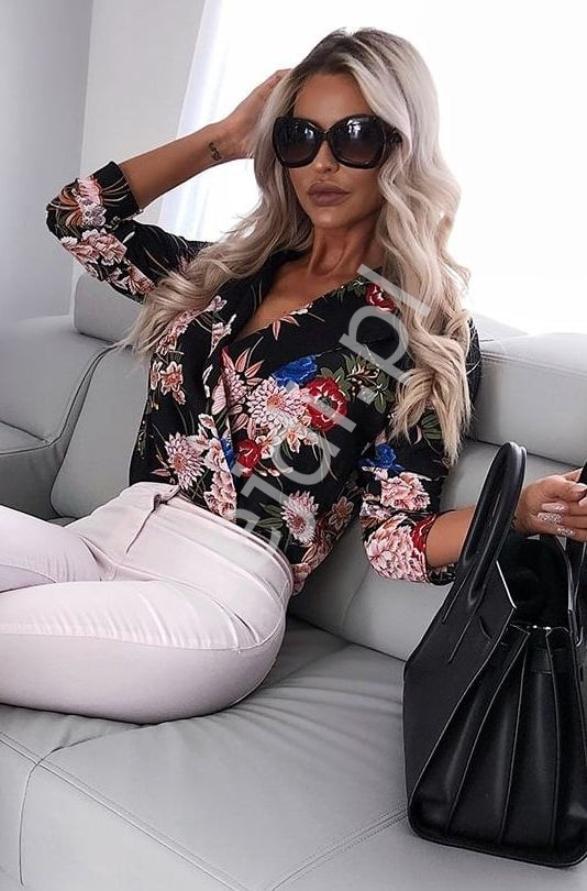 Koszula - body kopertowe z kwiatami, czarna Instagram Hit, BS10211 - Lejdi