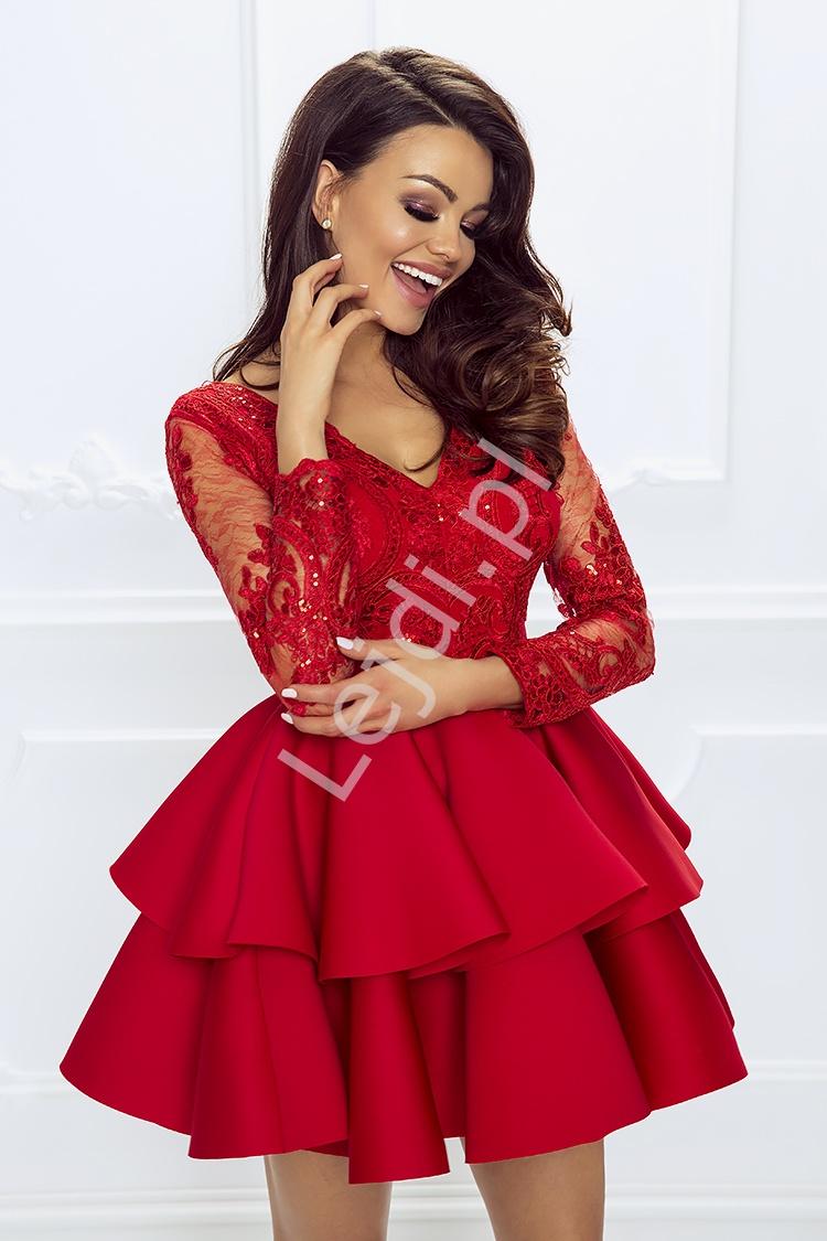 b29b29f8f5ea02 Krótka czerwona rozkloszowana sukienka z falbaną Lili. Śliczna krótka  czerwona wieczorowa sukienka z długim rękawem ozdobionym koronką.