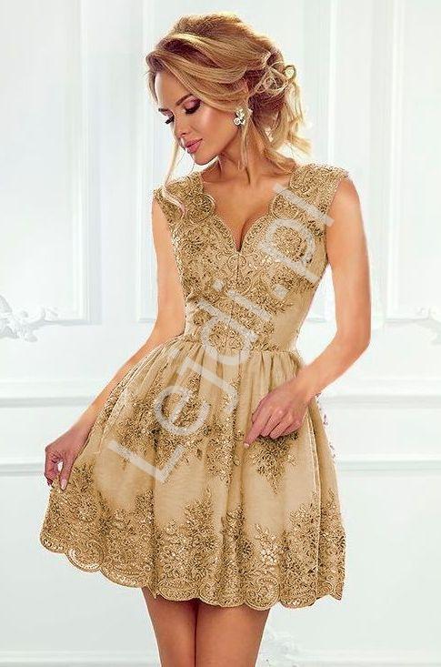 d0e146bae4 Krótka koronkowa sukienka wieczorowa w kolorze karmelowym z rozkloszowanym  dołem - Carmen