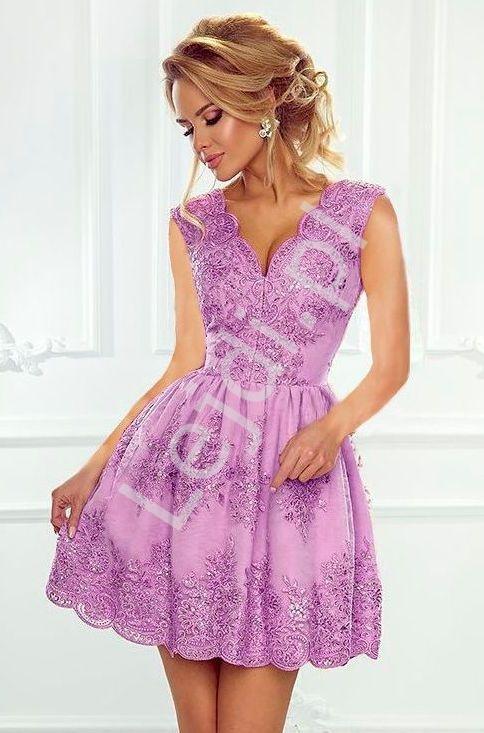 Krótka koronkowa sukienka wieczorowa w kolorze lawendowym - Carmen - Lejdi